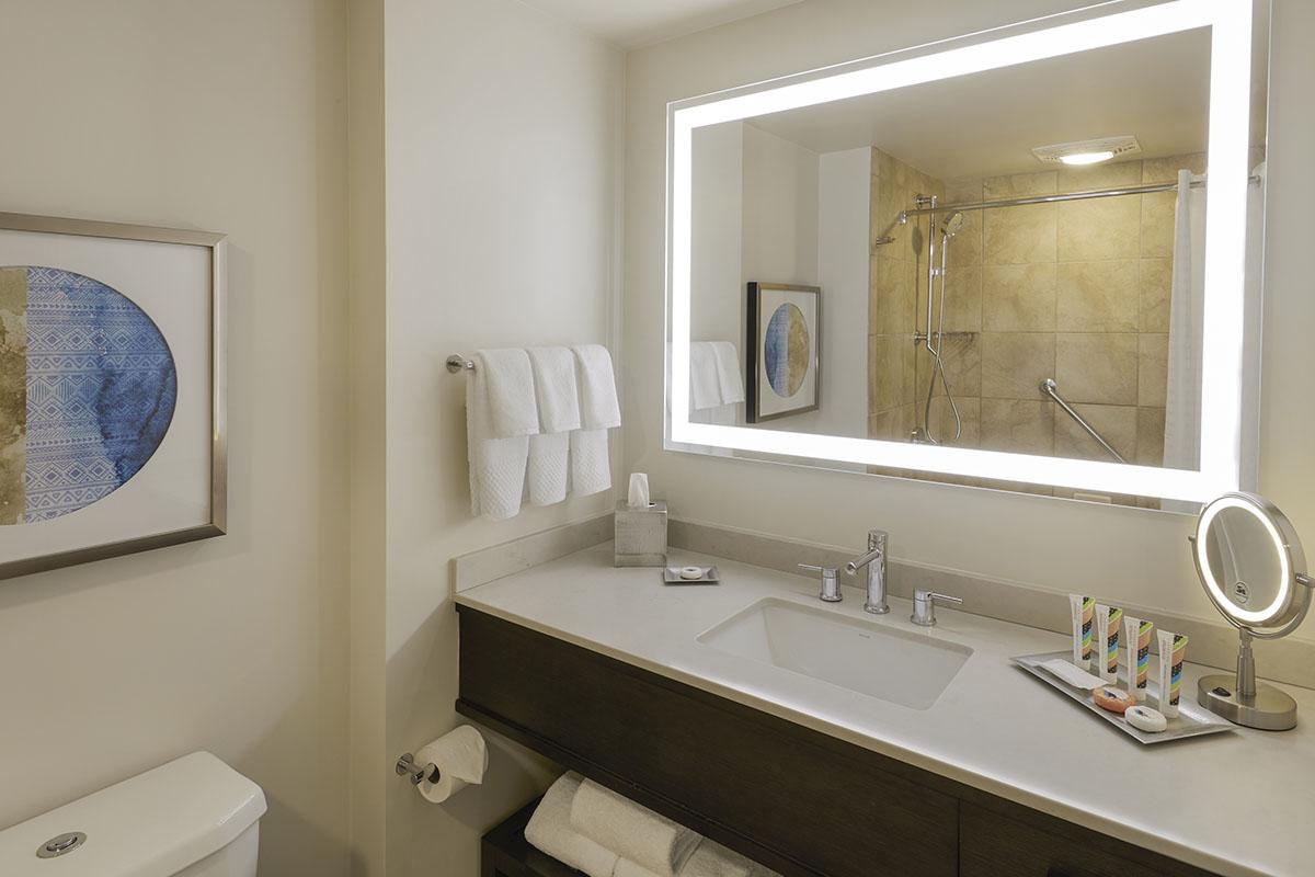 Gallery_Tapa-Tower-Model-Bathroom.jpg