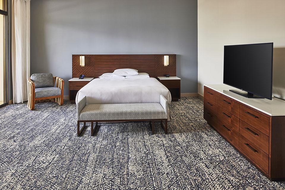 HHV_Leilani-Suite-Bedroom-view-2.jpg